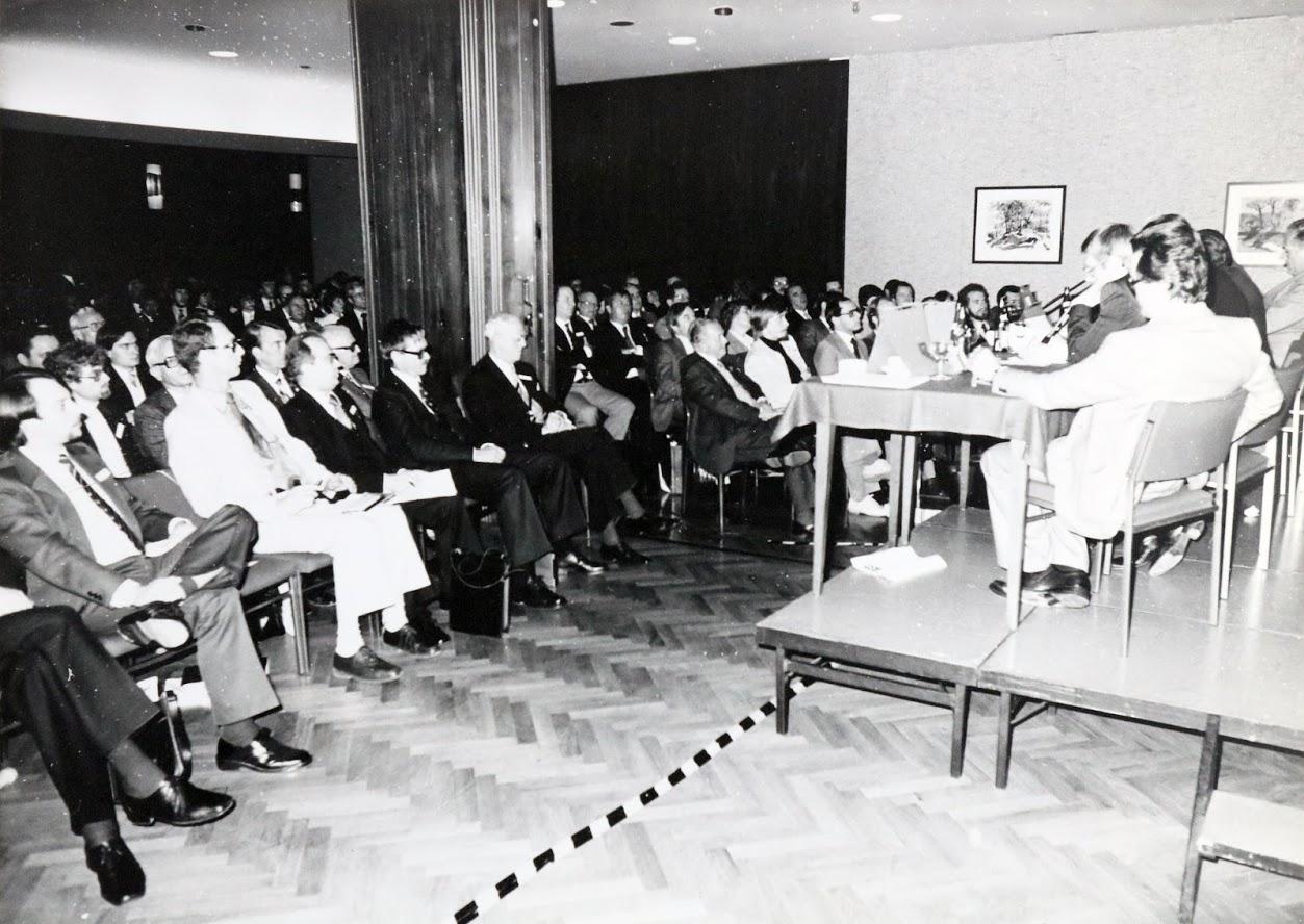 Köln 1979: An der Säule Alt, links daneben: Helmut L. Clemm